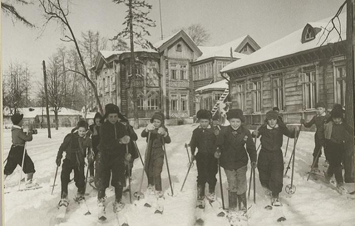 «Наше счастливое детство»: Фотографии, сделанные в разных уголках СССР в 1947 году