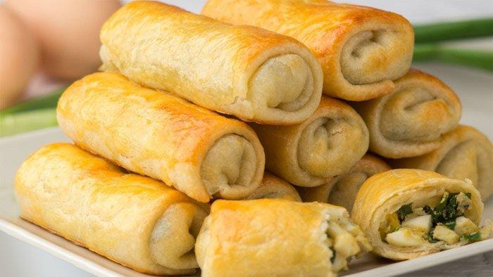 Пирожки с луково-яичной начинкой из заварного теста