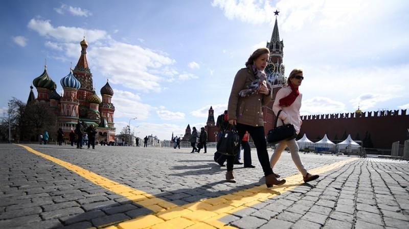 Москва в 2017 году заработала на туризме 700 млрд рублей