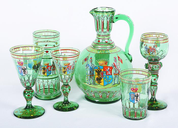 Сервиз из зеленого стекла графа Орлова-Давыдова