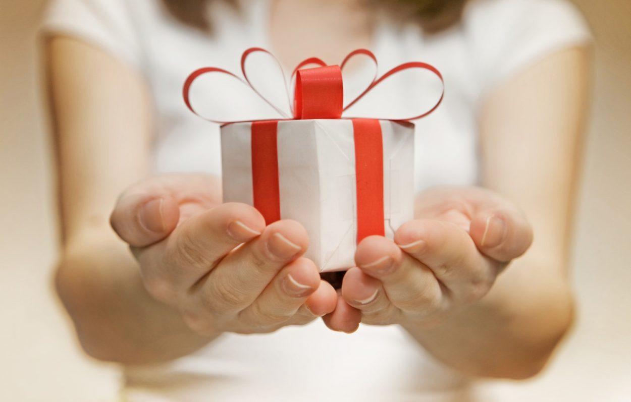 Как отказаться от подарка не обидев и что делать с ненужными 20