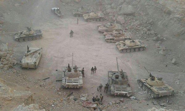 Блестящая операция ВКС!!! 20 танков и 1000 бойцов перешли на сторону армии Сирии