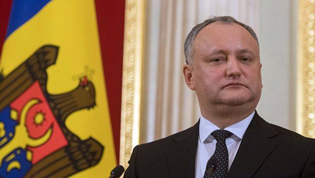 КС разрешил утвердить закон о запрете российских передач в обход Додона