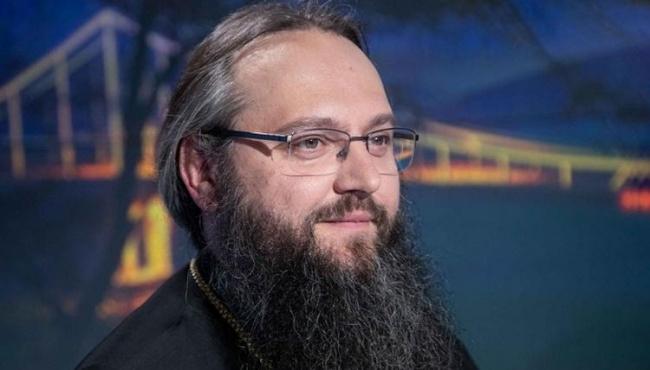 Архиепископ Климент: Вхрам всопровождении боевиков пришли священники ПЦУ