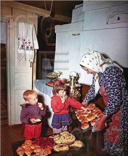 Мои обе бабушки жили в одном селе. Жили мирно и дружно, пока на свет не появились внуки...