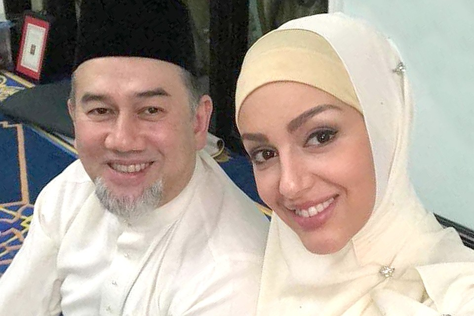 Женился на русской: почему король Малайзии отрекся от престола