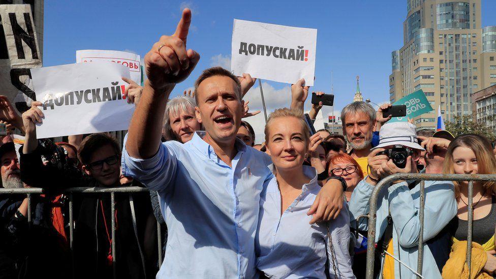 Двойной удар по Путину: со стороны хоккеиста Панарина и бузотера Навального