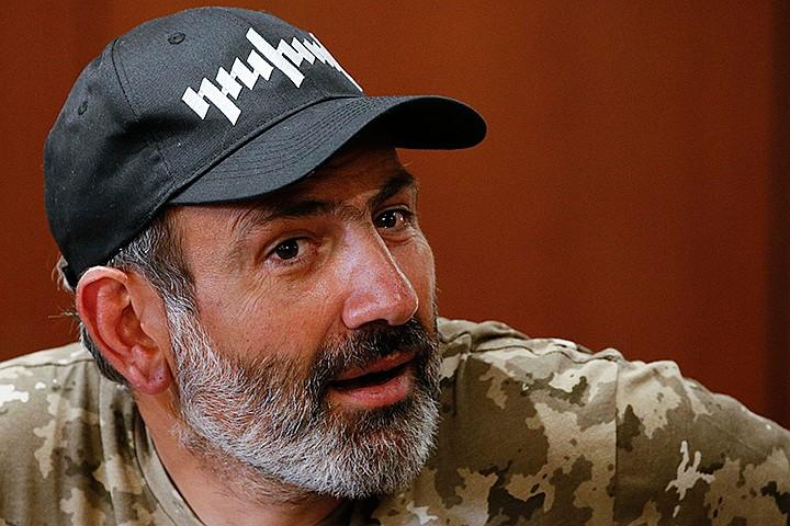 Лидер оппозиции Никол Пашинян опять вывел народ на улицы Еревана