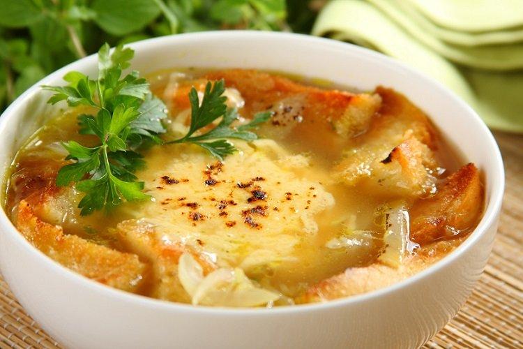 Луковый суп с картофелем