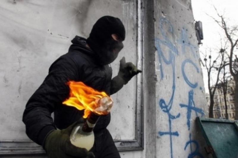 Одесса опять в огне: российские банки  евромайдауны забросали «коктейлями Молотова»