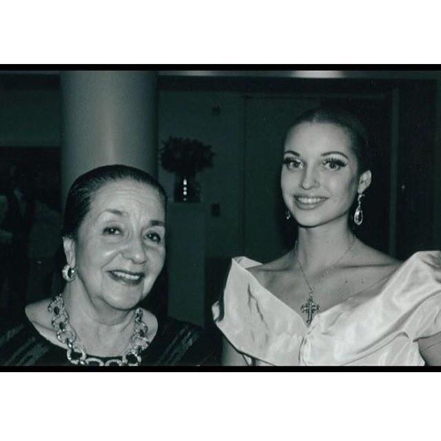 «Какая же была красотка!»: Анастасию Волочкову не узнать на фото 25-летней давности