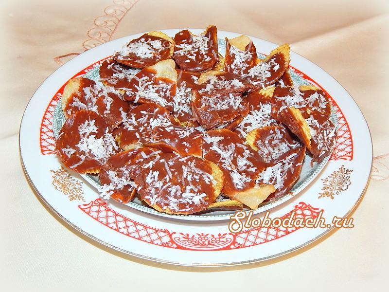 Картофельные чипсы в шоколаде с кокосом