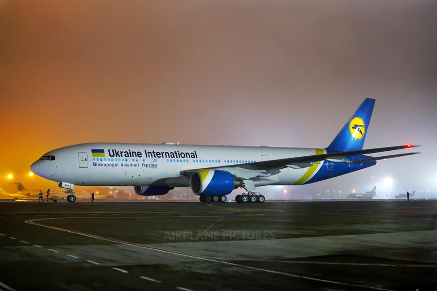 Украинская МАУ купила тот самый Boeing 777, который два года назад едва не разбился в Доминикане