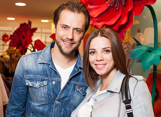 Люди атаковали новою возлюбленную Ивана Жидкова из-за Арнтгольц