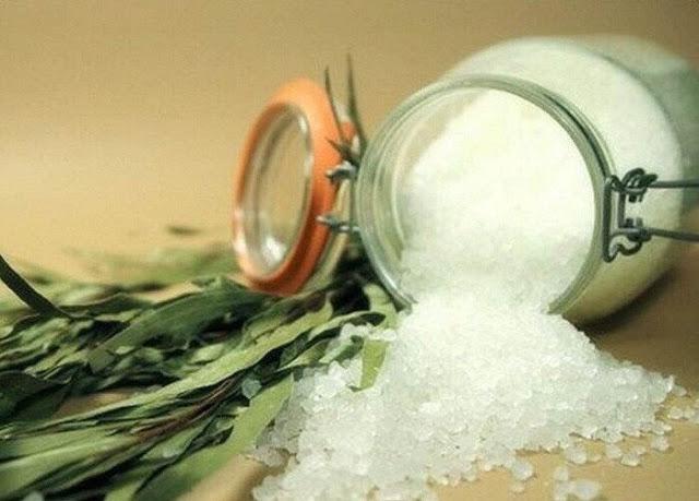 Простой и приятный рецепт от отложения солей