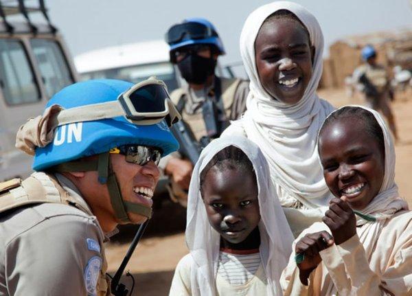 Право на безнаказанность: Миротворцы ООН должны защищать мир, но нарушают закон