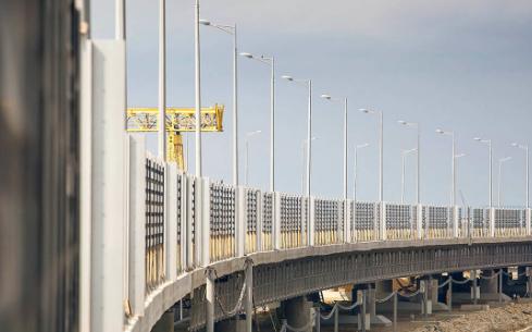 Россияне жестко ответили украинским радикалам, угрожающим взорвать Крымский мост