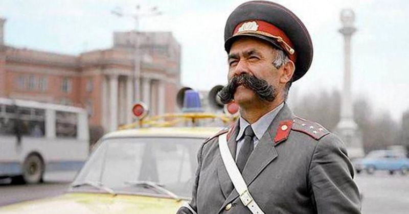 История Мулло Нурова — самого честного гаишника СССР, который оштрафовал даже свою жену