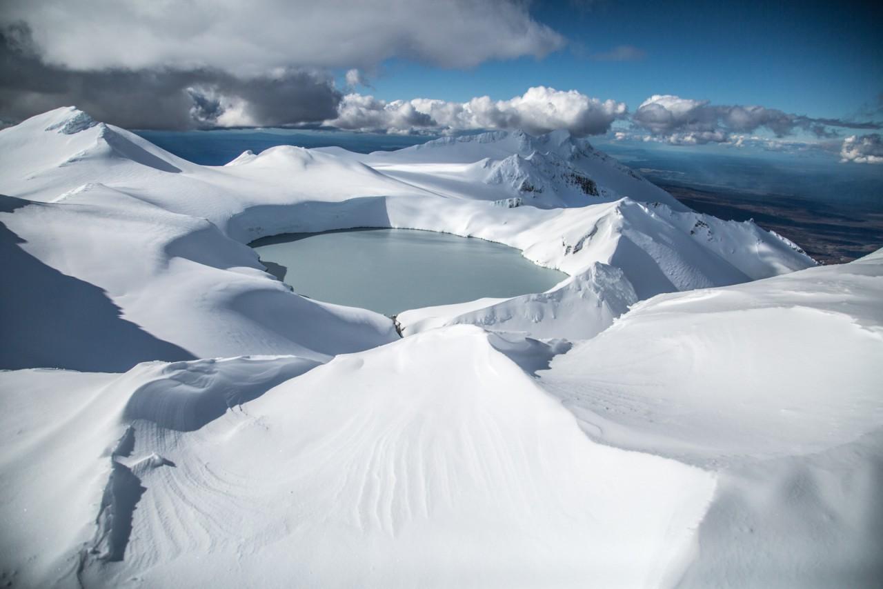 Покоряем гору Руапеху: кратер вулкана, кислотное озеро и снег