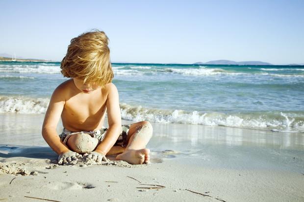 Фото №2 - Море как лекарство: почему для детского здоровья так важен мамин отпуск