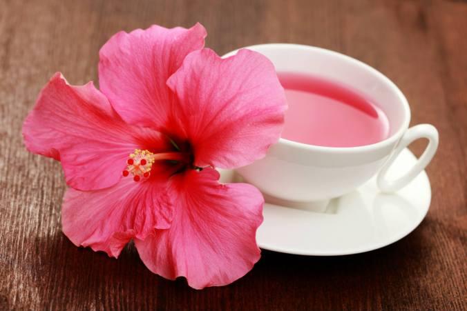 Тайна рубинового чая, или насколько полезен чай каркаде