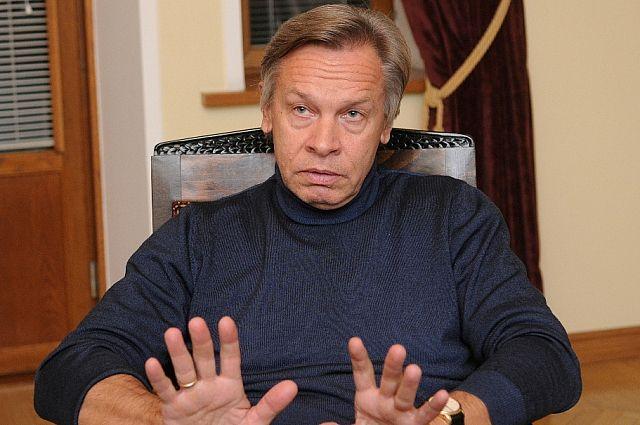 Пушков предупредил об опасности «войны» в США между СМИ и Белым домом