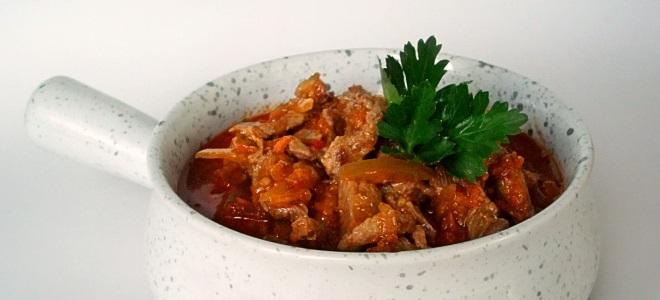 Как приготовить азу из свинины в горшочках
