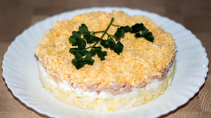 Салат с печенью трески – лучше Мимозы