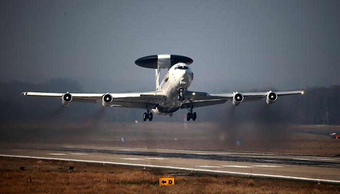 Американские самолеты совершили разведку в Крыму