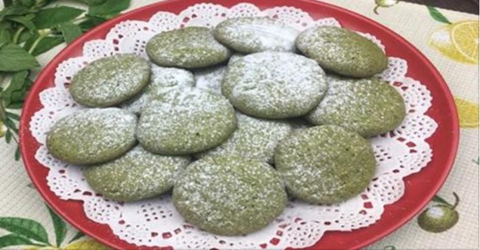 Испеките вкусное домашнее песочное печенье с насыщенными нотками ароматной мяты — и в ваш дом придет лето.