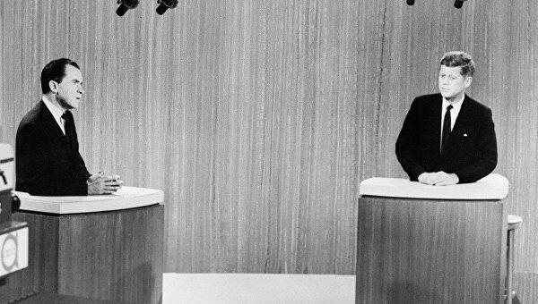 Зеленский против Порошенко: Кто кого передебает
