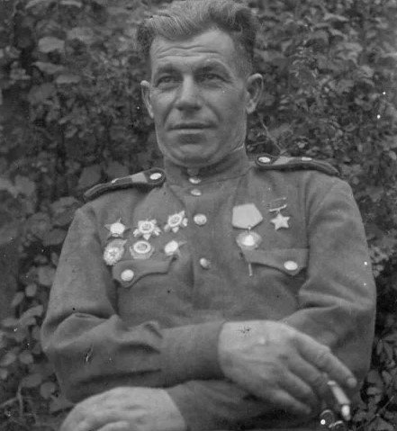 Второй после Сталина, или Как механик один три немецких танка уничтожил