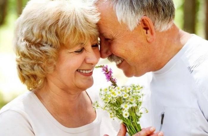 Замуж бабке после 60 лет, зачем? На старости лет решила молодухой побыть?