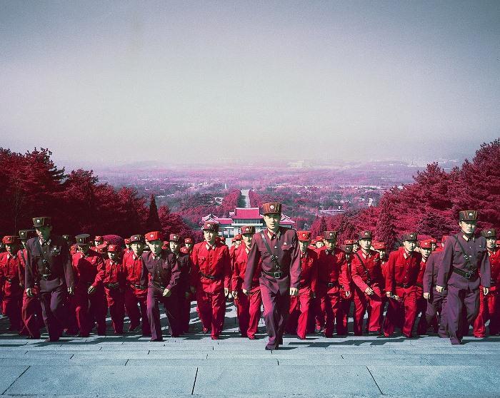 Северная Корея в необычном свете: Документальные инфракрасные фотографии о жизни в самой закрытой стране