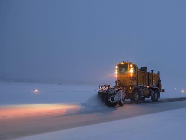 Из-за снегопада в Санкт-Петербурге произошло 300 ДТП за 12 часов