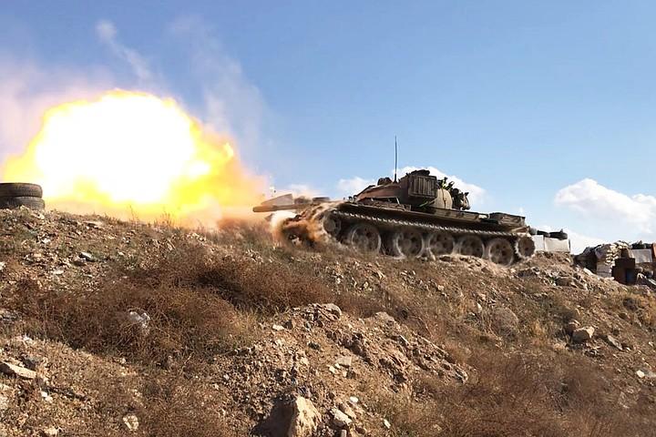 Сирийские войска выбивают ИГИЛ* из квартала Ярмук в Дамаске