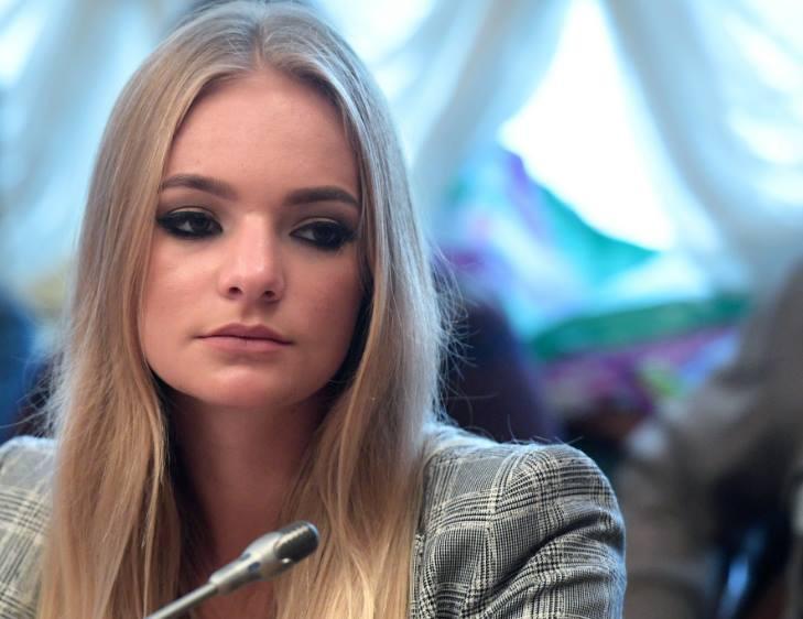 """""""Пропадает желание жить"""": Дочь пресс-секретаря президента Лиза Пескова пожаловалась на травлю в интернете"""