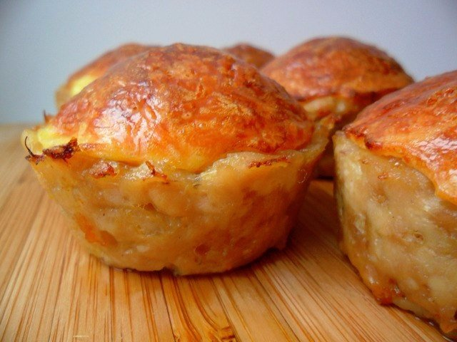 Куриные кексы с сырной начинкой. Отправляю в духовку и уже давлюсь слюной!