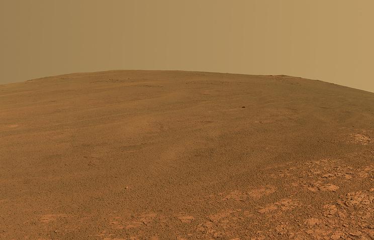 ВЦИОМ: россияне верят, что космонавты из РФ первыми высадятся на Марс