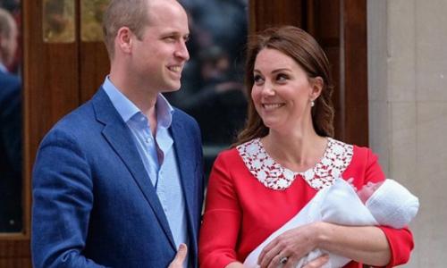Новорожденному сыну Кейт Миддлтон отрезали 10-сантиметровый хвост и раздвоенный язык