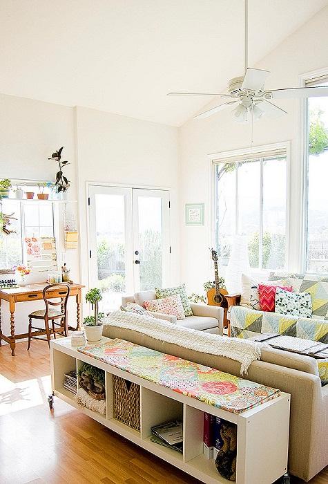 Свежий декор наполненный текстурой и цветом, станет отличным вариантом оформления комнаты для отдыха.