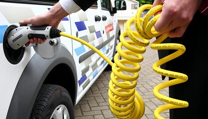В Госдуме отказались отменить транспортный налог для электрокаров
