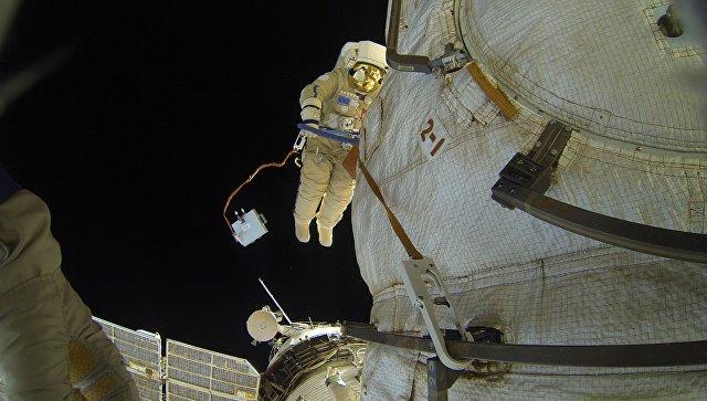 Ученые из России хотят сделать из космонавтов киборгов
