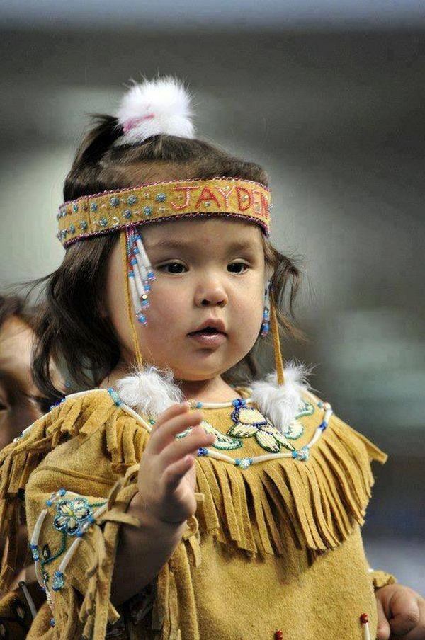 Дети мира. Фотографии малышей в традиционных одеждах