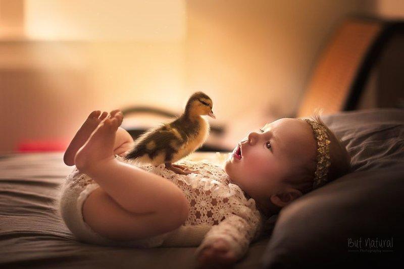 Сплошное умиление: индийский фотограф снимает малышей с животными