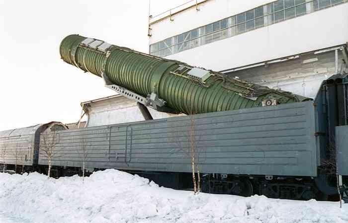 """Вагончик тронулся. Новые ядерные поезда заменят уничтоженных """"Молодцов"""""""