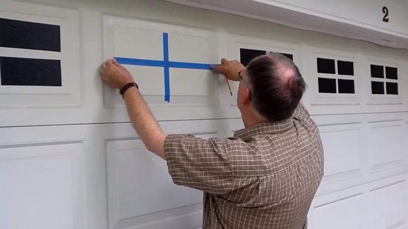 """Переделка дверей """"Faux Window""""  подойдет как для наружных, так и для межкомнатных дверей"""