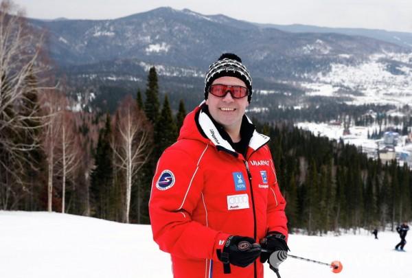 Премьер-министр Дмитрий Медведев  26 марта «Неплохо, на лыжах покатался»