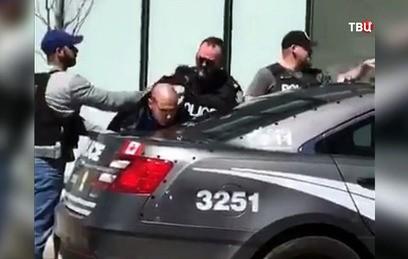 В Торонто выясняют обстоятельства наезда фургона на людей