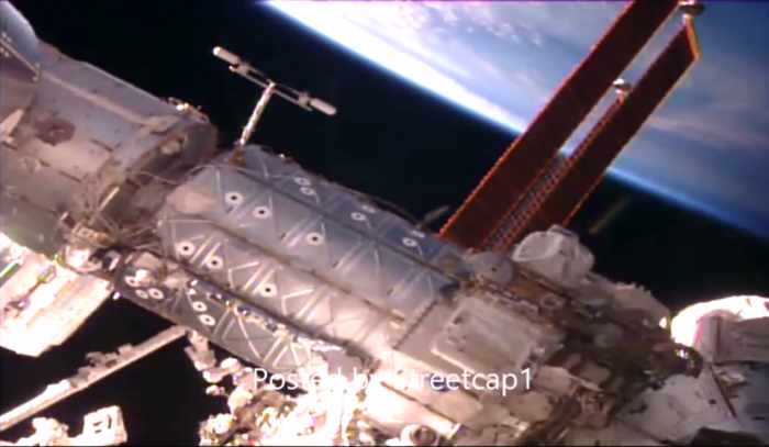 Громадный НЛО на расстоянии вытянутой руки изучал МКС